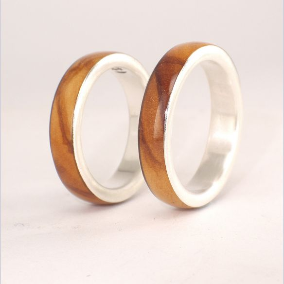 Ring sets Sterling silver ring set with olive wood 260,00€ Viademonte Jewelry