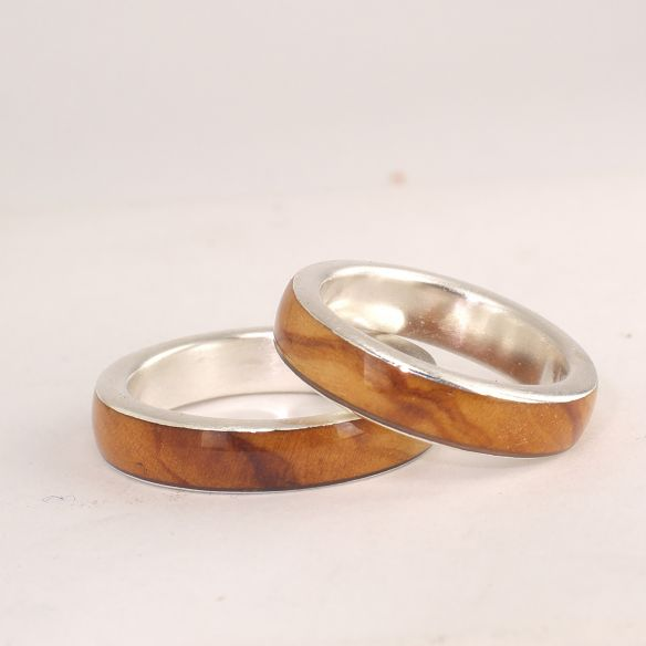 Ring sets Sterling silver ring set with olive wood 260,00 € Viademonte Jewelry