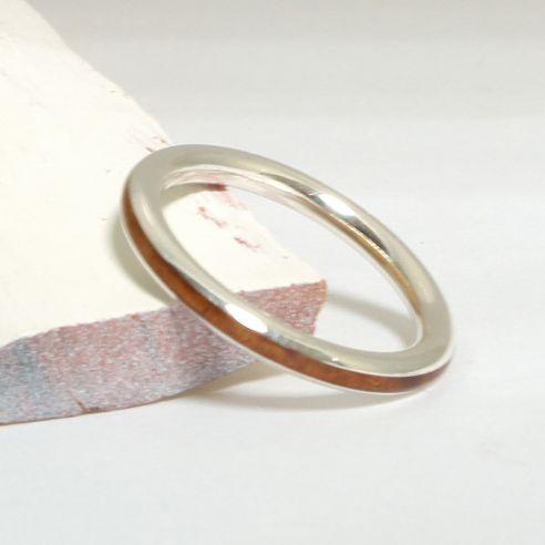 Anillos minimal Alianza de plata y madera de brezo 108,00€ Viademonte Jewelry