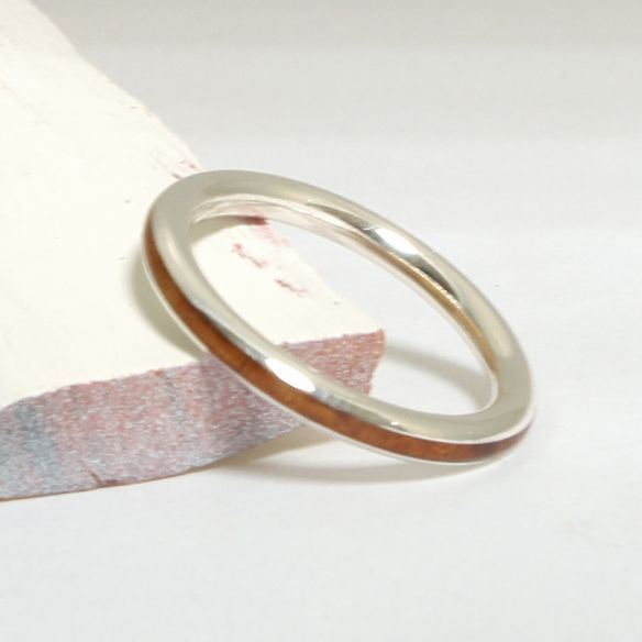 Anells minimal Aliança de plata i fusta de bruc 120,00 € Viademonte Jewelry