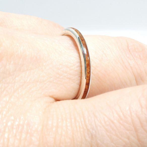 Anillos minimal Alianza de plata y madera de brezo 120,00€ Viademonte Jewelry