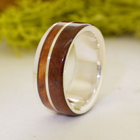 Silver wood rings Walnut and juniper sterling silver ring 175,00 € Viademonte Jewelry