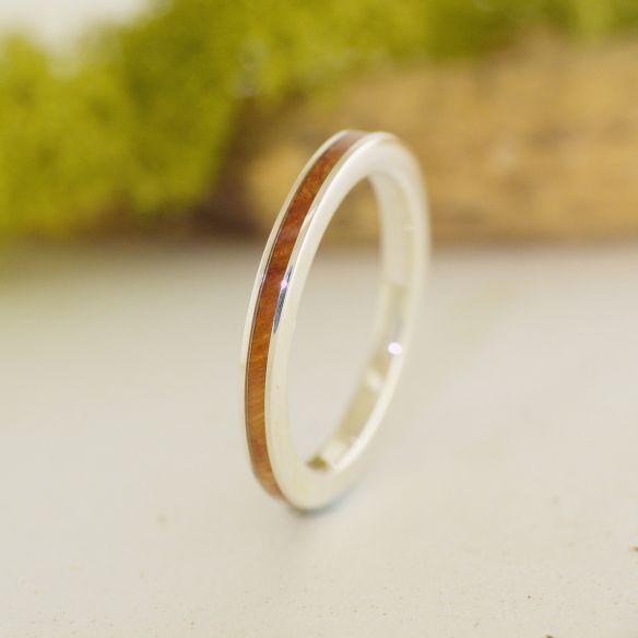 Anillos minimal Anillo de plata de ley y madera de brezo anillo delicado 120,00€ Viademonte Jewelry