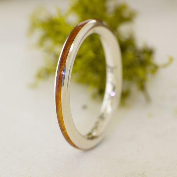 Anillos minimal Anillo fino de plata de ley y madera de enebro 120,00€ Viademonte Jewelry