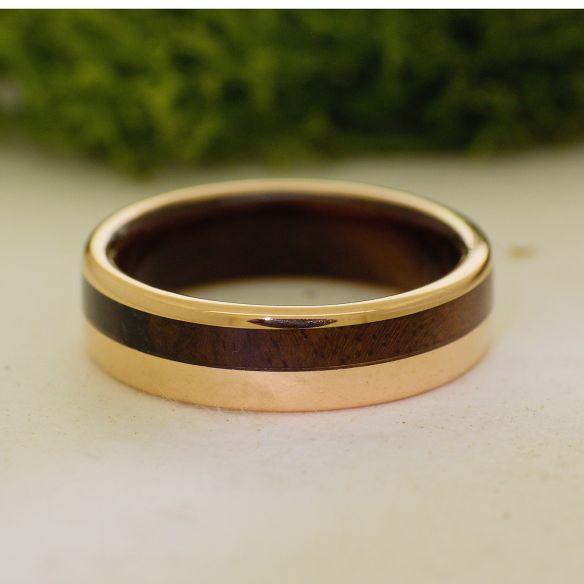 Anillos con madera y oro Anillo de oro rosa y madera de nogal 730,00€ Viademonte Jewelry