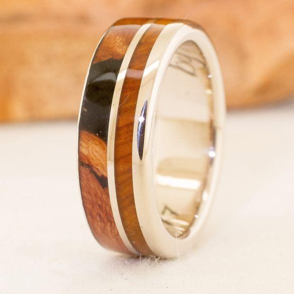 Anelli con legno e oro Anello in oro bianco e legni € Viademonte Jewelry