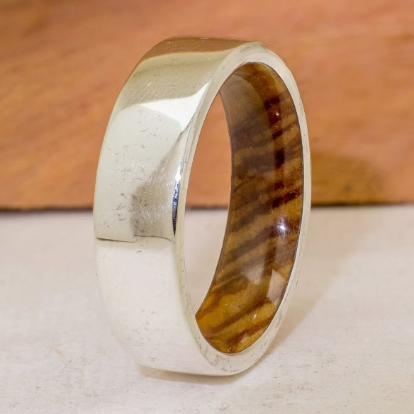 Wood wedding bands Silver wood bands Silver ring and olive wood inside 165,00 € Viademonte Jewelry