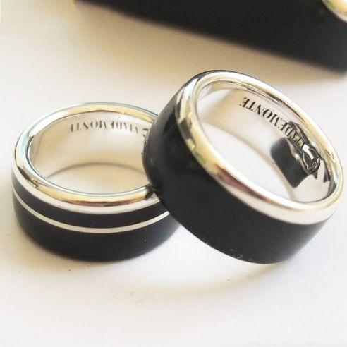 Coppia di anelli Coppia di anelli in argento 925 e legno di ebano € Viademonte Jewelry