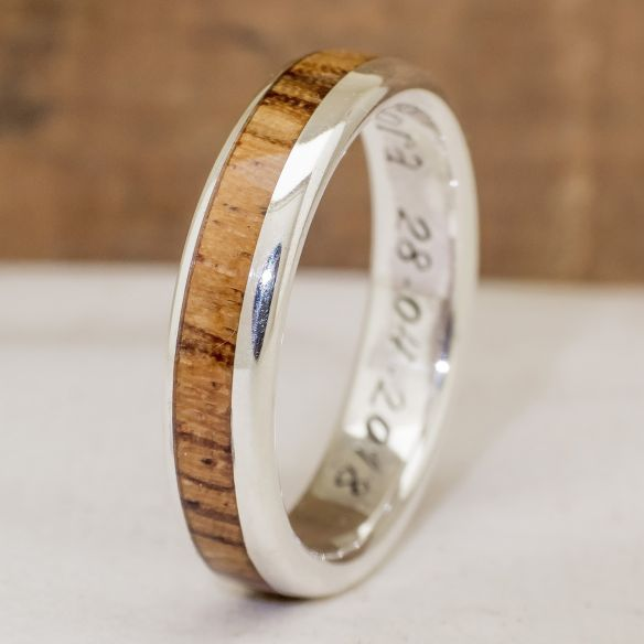 Anells amb fusta i plata Anell de plata home amb fusta de zebrano 140,00 € Viademonte Jewelry