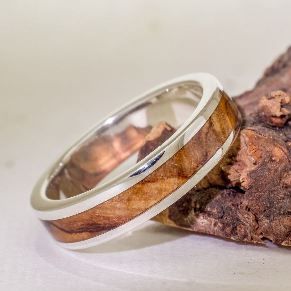Silver wood rings Wooden silver band - Olive 112,50€ Viademonte Jewelry