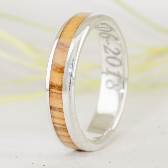 Silver wood rings Catalan olive wood & silver ring 140,00 € Viademonte Jewelry