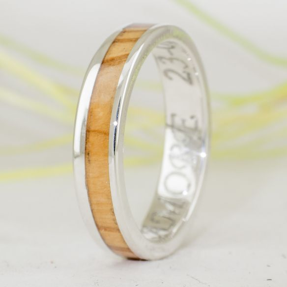 Silver wood rings Catalan olive wood & silver ring 155,00 € Viademonte Jewelry
