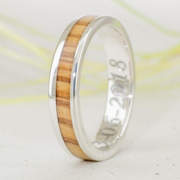 Anells amb fusta i plata Anell de plata i fusta d'olivera català 140,00 € Viademonte Jewelry