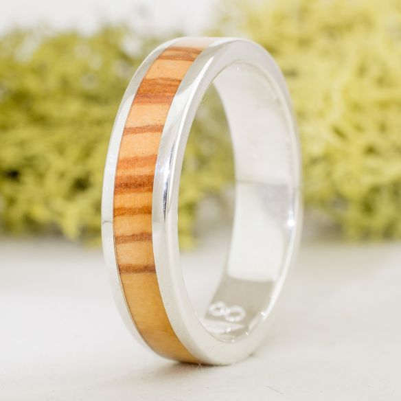 Silver wood rings Catalan olive wood and silver ring 115,00€ Viademonte Jewelry