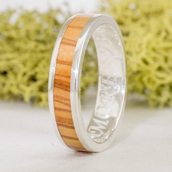 Anillos con madera y plata Anillo de plata compromiso con madera de olivo catalan 115,00€ Viademonte Jewelry