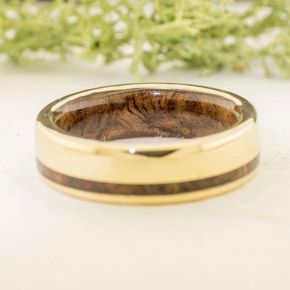Anillos con madera y oro Anillo de oro amarillo y madera de nogal 705,00€ Viademonte Jewelry