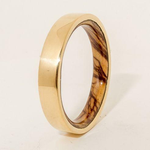 Alianzas con madera y oro Alianza de oro 18k y madera de olivo en el interior 490,00€ Viademonte Jewelry