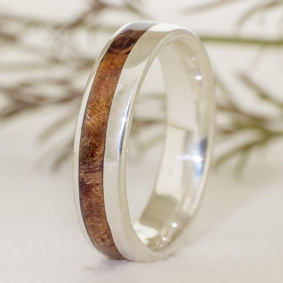 Anillos con madera y plata Anillo de plata con madera de alamo 140,00€ Viademonte Jewelry