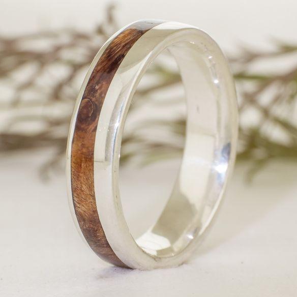 Anells amb fusta i plata Anell de plata amb fusta de alamo 140,00 € Viademonte Jewelry