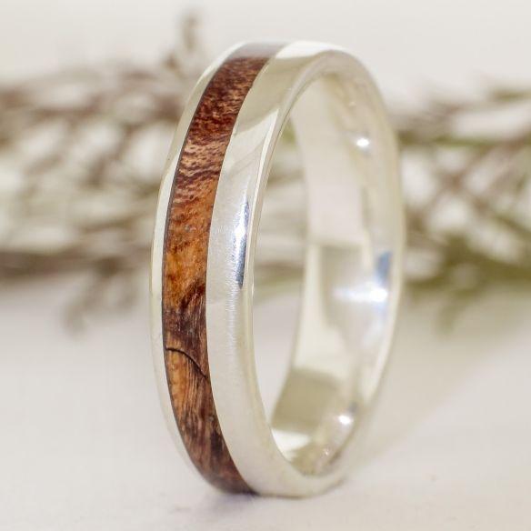 Anillos con madera y plata Anillo de plata y madera de alamo 155,00€ Viademonte Jewelry