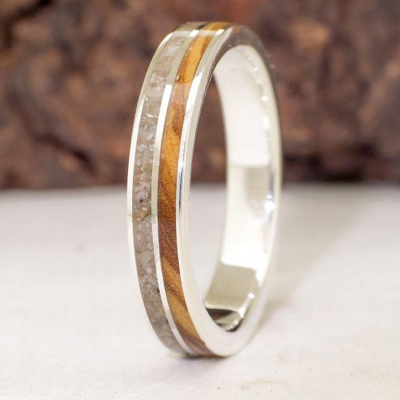 Anells amb Sorra Anell de plata de llei, sorra i olivera 150,00 € Viademonte Jewelry