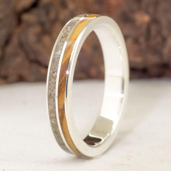 Bagues avec Sable Viademonte Jewelry argent sterling, sable et olivier 150,00 € Viademonte Jewelry