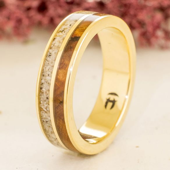 Sand rings Yellow gold band sand & juniper wood 650,00 € Viademonte Jewelry