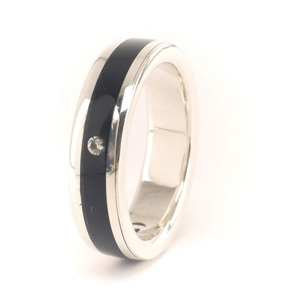 Solitaire rings Silver ring and ebony wood and diamond 193,50€ Viademonte Jewelry