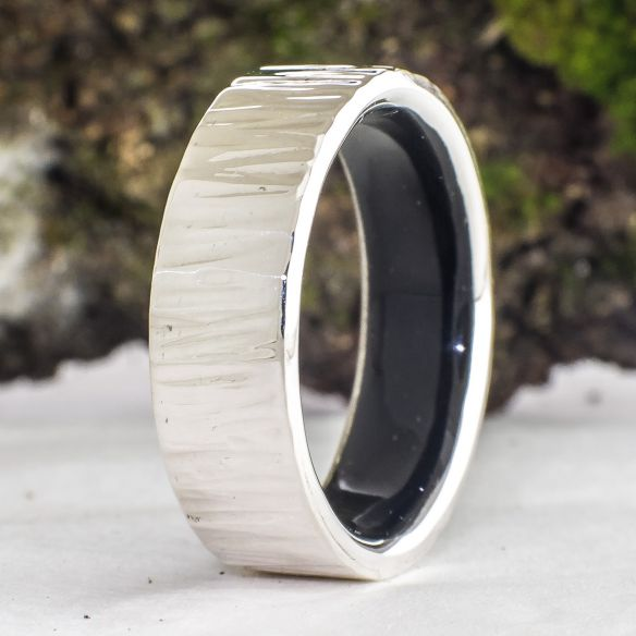 Silver wood bands Sterling silver ring and ebony wood inside 120,00 € Viademonte Jewelry