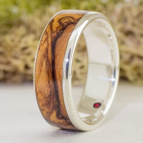 Gemstone Wooden rings Olive and garnet sterling silver ring 220,00 € Viademonte Jewelry