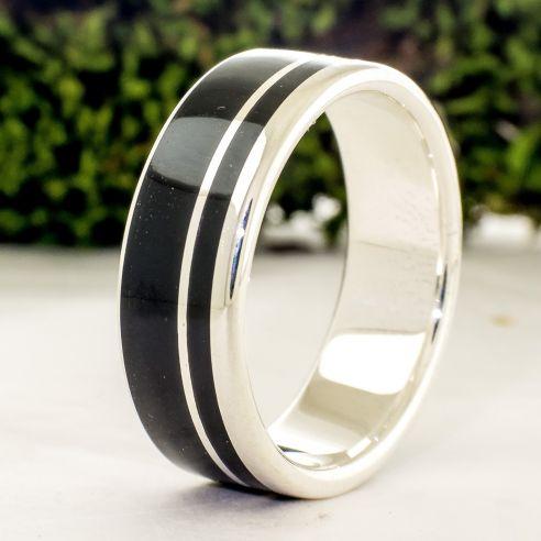 Ringe mit Holz und Silber Ebenholz und Silberring. Silberner Herrenring. Schmuck mit Holz 160,00 € Viademonte Jewelry