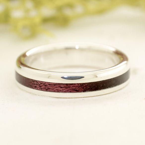 Ringe mit Holz und Silber Silber Verlobungsring mit Amaranth Holz € 140,00 Viademonte Jewelry