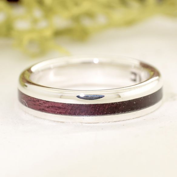 Silver wood rings Silver ring and purpleheart wood 140,00 € Viademonte Jewelry