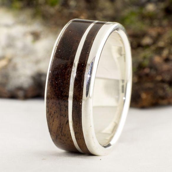 Anneaux avec bois et argent Viademonte Jewelry argent avec bois de noyer Viademonte Jewelry € Viademonte Jewelry
