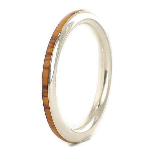 Anells minimal Anell fi de plata de llei i fusta d'olivera 96,00 € Viademonte Jewelry