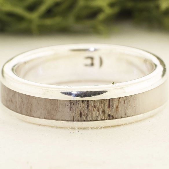 Antler and horn rings Reindeer Antler ring and silver ring 150,00€ Viademonte Jewelry