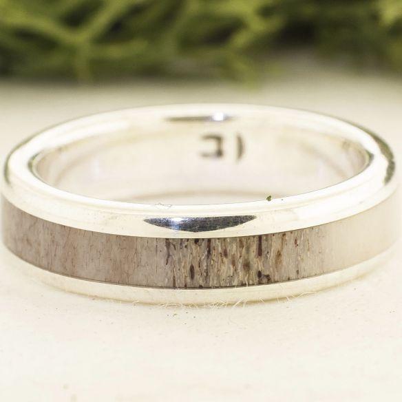 Bagues avec bois de cerf et corne Bague en argent sterling et bois de renne 140,00 € Viademonte Jewelry