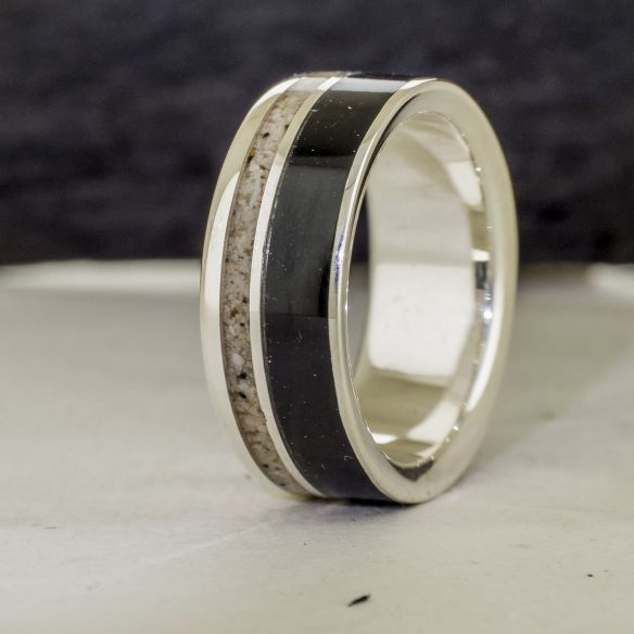 Sand rings Silver ring, ebony wood and sand 170,00 € Viademonte Jewelry
