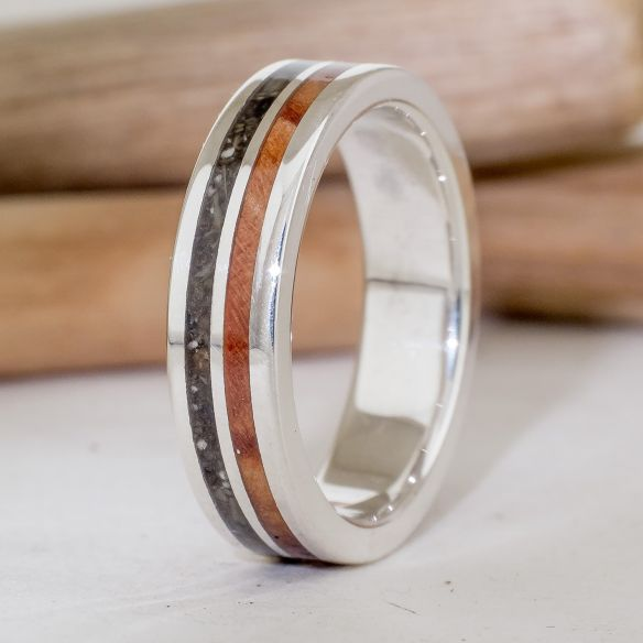 Sand rings Silver ring with wood and ash 170,00 € Viademonte Jewelry
