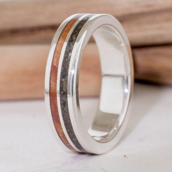 Anelli con Sabbia Anello in Argento con legno e frassino 170,00 € Viademonte Jewelry