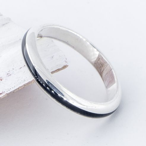 Stackable rings Sterling silver half-round ring and ebony wood 97,50€ Viademonte Jewelry