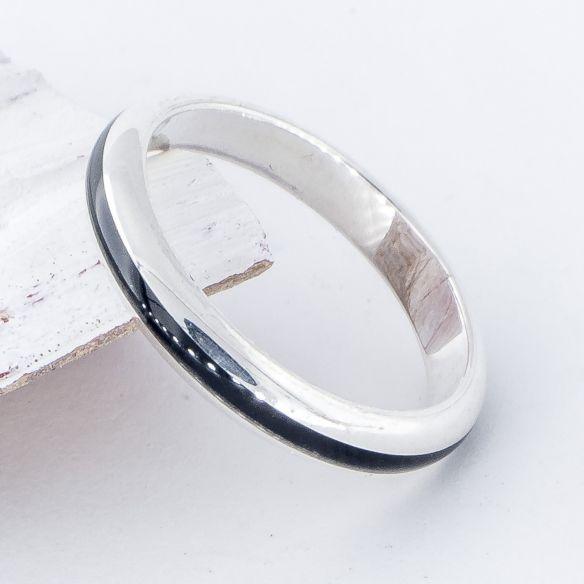 Anillos minimal Anillo de plata media caña de ley y madera de ebano 97,50€ Viademonte Jewelry