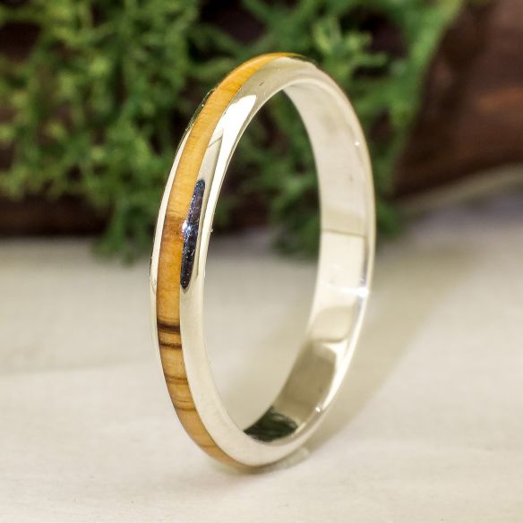 Stackable rings Silver ring and olive wood - Half round 130,00 € Viademonte Jewelry
