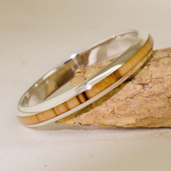 Minimal Rings Bague en argent et bois d'olivier - Demi-ronde 130,00 € Viademonte Jewelry