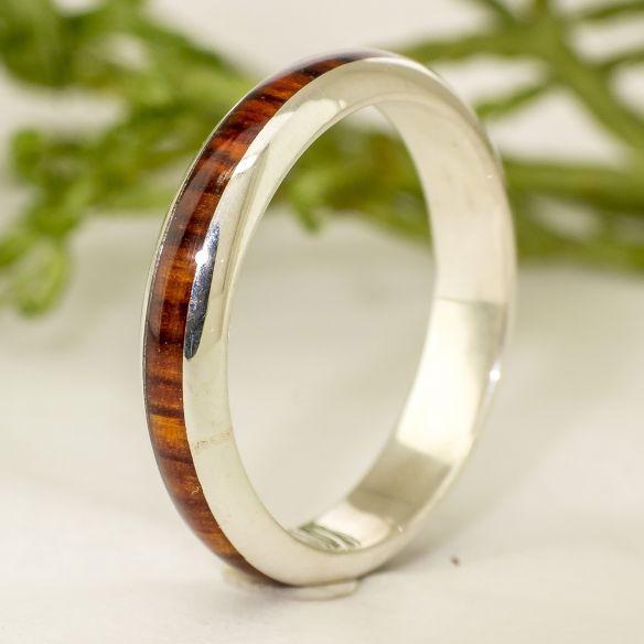 Anillos minimal Alianza de plata y madera de cocobolo - Media caña 117,00€ Viademonte Jewelry