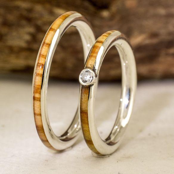 Coppie di anelli Anelli in argento con pietre, diamante e legno d'ulivo 300,00 € Viademonte Jewelry