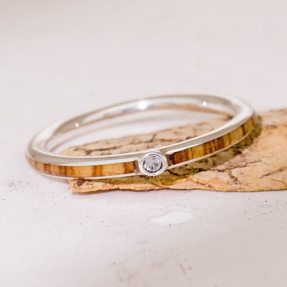 Ring sets Pair of silver rings, diamond and olive wood 300,00€ Viademonte Jewelry