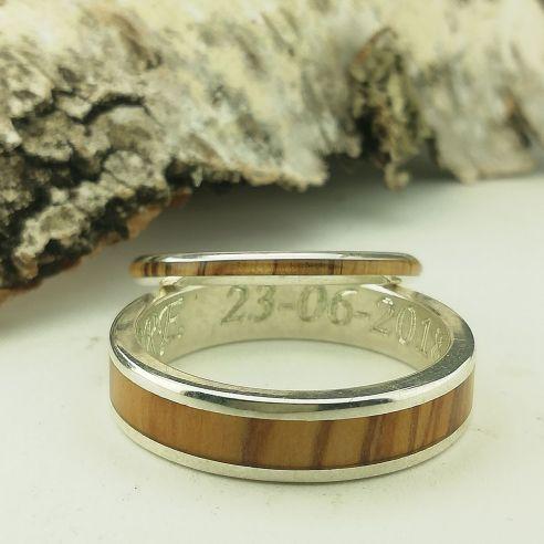 Paire de bagues Paire de bagues en argent et bois d'olivier Viademonte Jewelry € Viademonte Jewelry