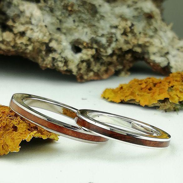 Parejas de anillos Alianzas de plata Originales con madera de brezo . Alianzas de boda Barcelona . 240,00€ Viademonte Jewelry