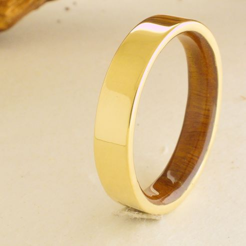 Gold wood bands Yellow gold ring and lignum vitae wood 490,00€ Viademonte Jewelry